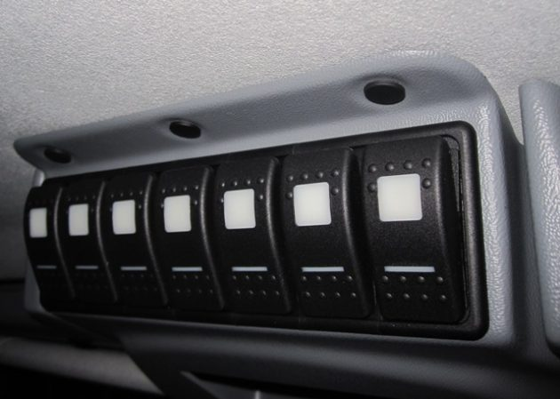 Defender Roof Console